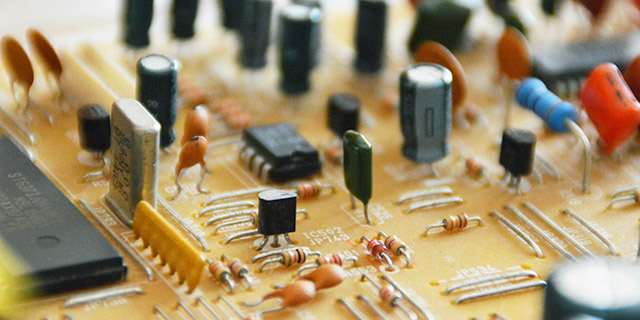 Alla scoperta del transistor a BJT