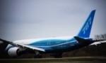 Boeing 787 dreamliner in fase di atterraggio