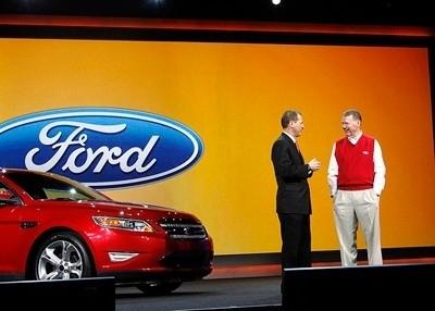 Ford ridefinisce l'esperienza di guida con le innovazioni on-board