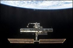 <em><strong>La <a href= http://www.physorg.com/news204526241.html>Capsula Soyuz</a> ha fallito venerdì il tentativo di sganciarsi dalla stazione spaziale, la prima volta che accade in dieci anni. A causa di questo problema tecnico, la capsula Soyuz ha cos