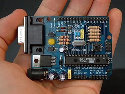 Massimo Banzi presenta Arduino