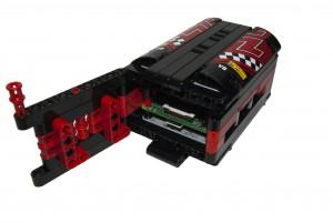 Il case per RasPi in LEGO Technic (vista assonometrica posteriore con sportello aperto)