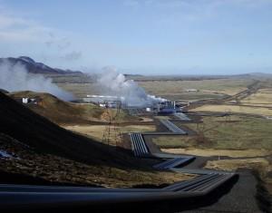 Figura 2: la centrale geotermica di Hellisheidi