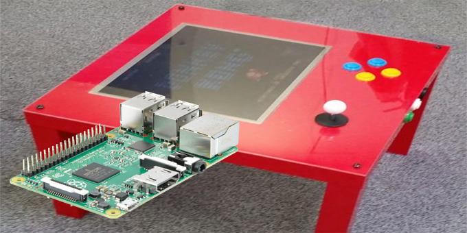 Tavolo Arcade IKEA con RASPBERRY PI