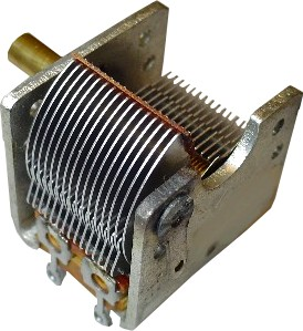 Figura 1: Esempio di condensatore variabile.