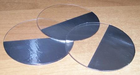 Figura 4: Applicazione del nastro di alluminio sui dischi.