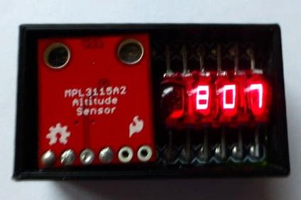 Figura 1: un vecchio altimetro analogico