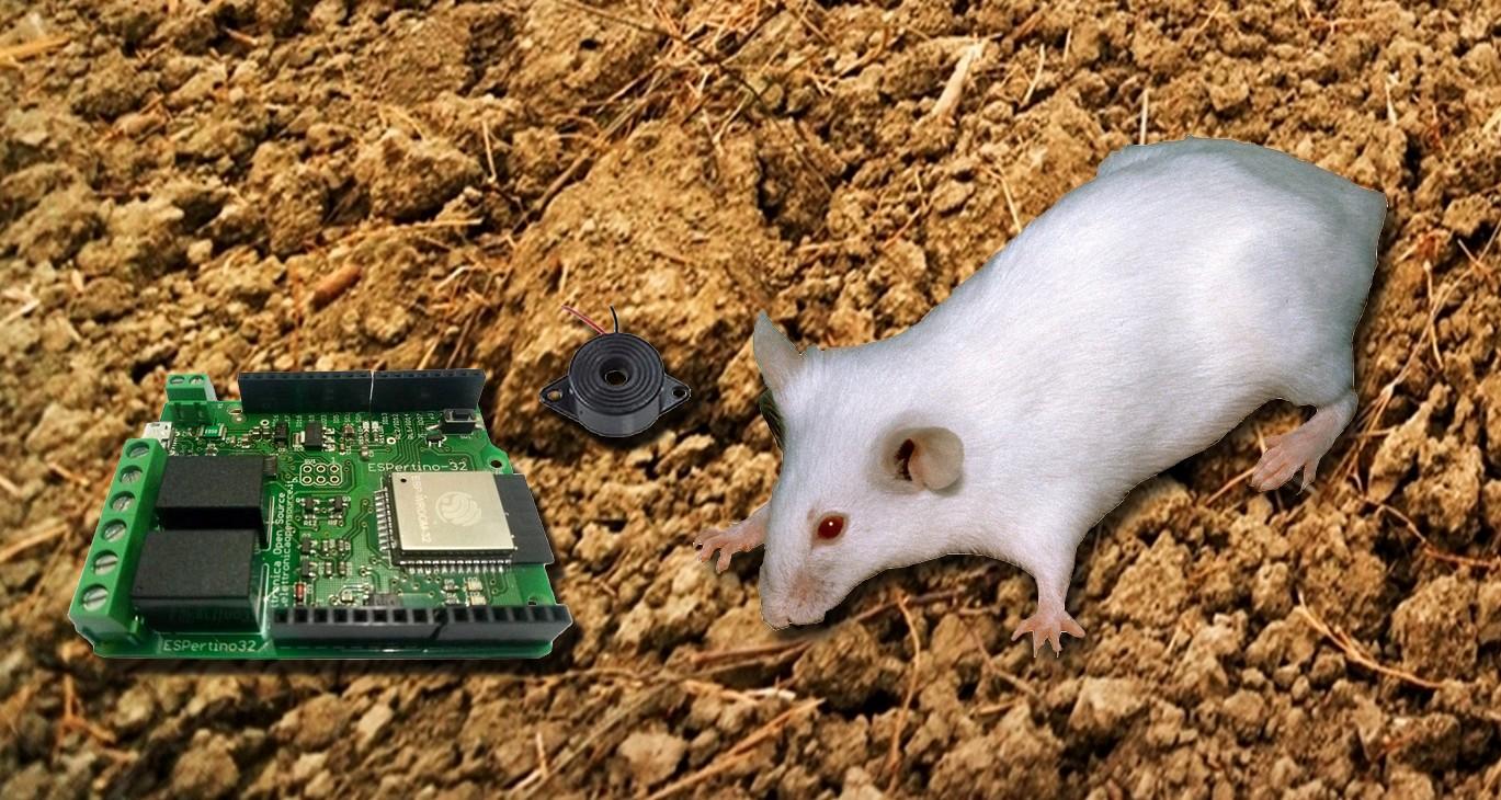 Figura 1: un esempio di scaccia topi con ESPertino e buzzer