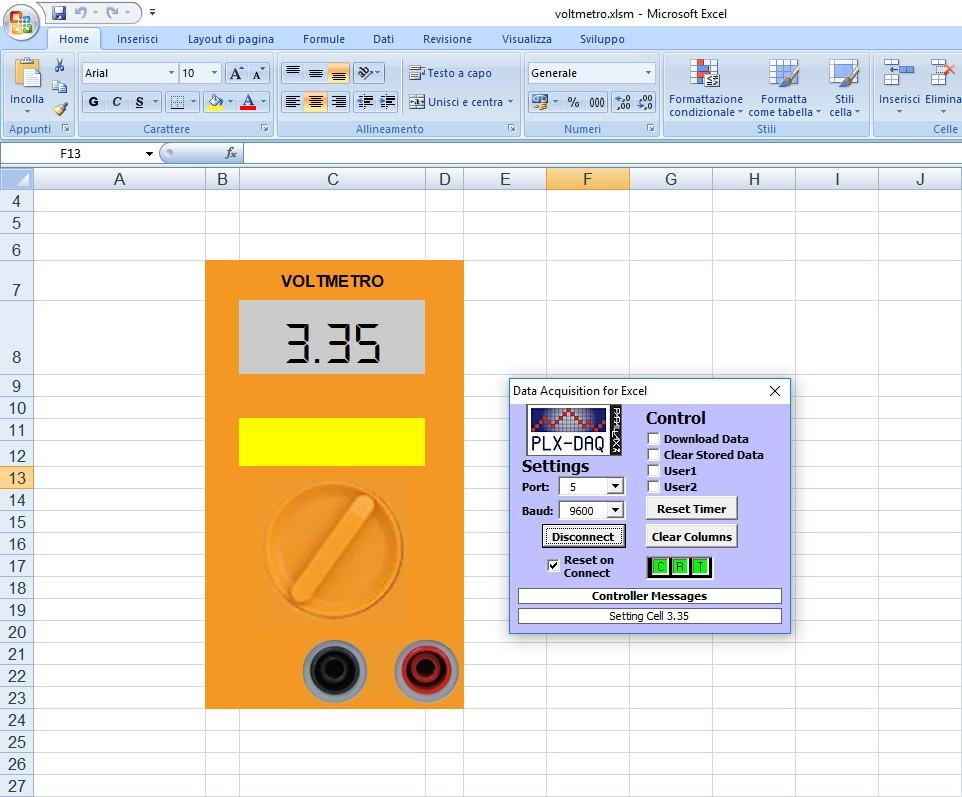 Figura 11: il voltmetro in funzione. L'aggiornamento della misura avviene ogni secondo