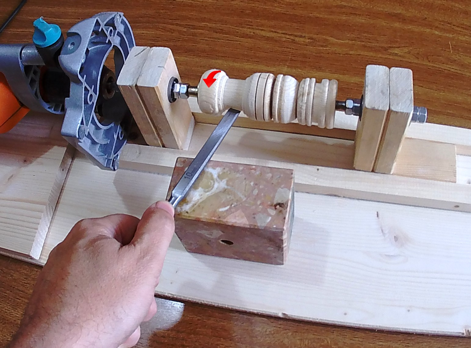 Figura 14: la lavorazione al tornio