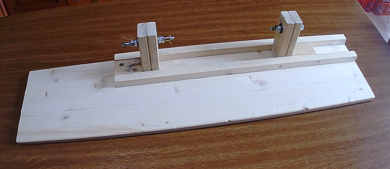 Figura 11: fissaggio della torretta della punta sulla base e prove di scorrimento della contropunta