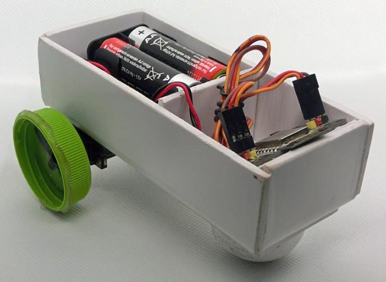 Figura 5: un semplice robot realizzato dagli studenti