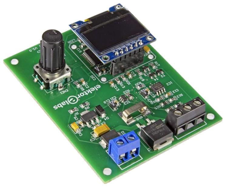Figura 4: il lato superiore della scheda assemblata con l'LCD e l'encoder rotativo