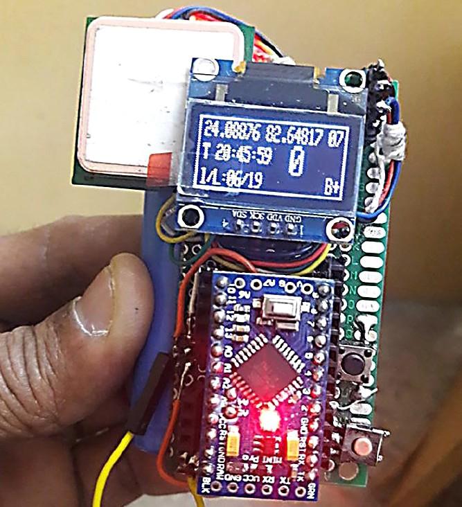 Figura 7: il circuito è facilmente costruito su un piccolo pezzo di circuito stampato ed è abbastanza piccolo da essere tenuto agevolmente in mano