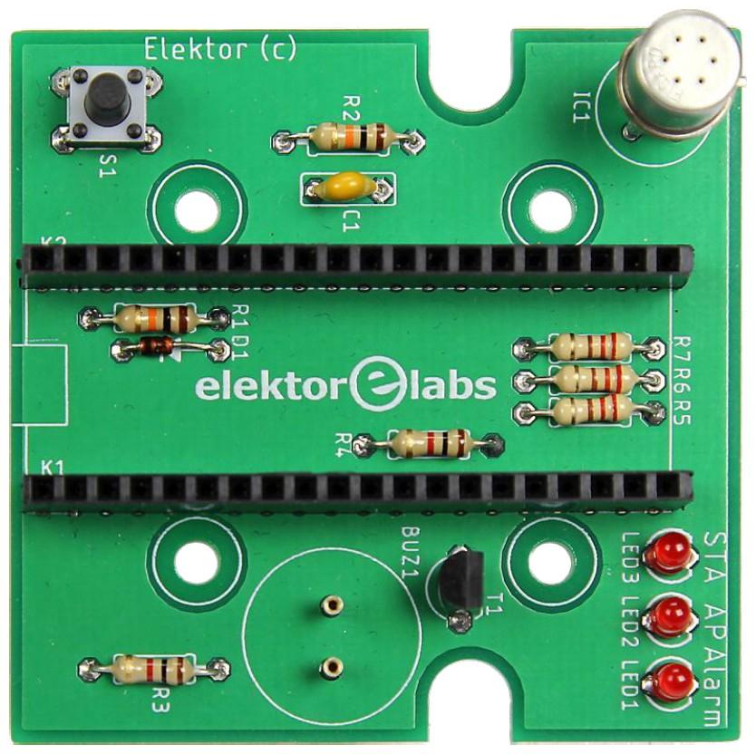 Figura 3: alcuni componenti sono nascosti sotto il modulo ESP32. Il sensore TGS2600 è il cilindro metallico nell'angolo in alto a destra del circuito