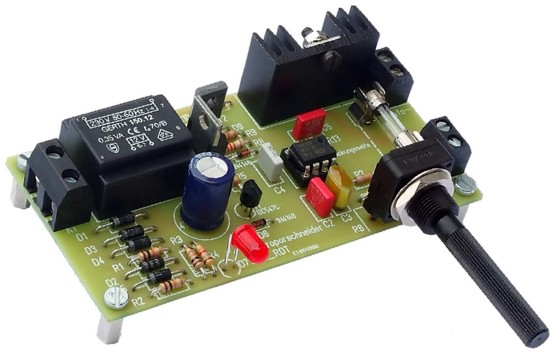 Figura 3: il prototipo finale, costruito su un PCB