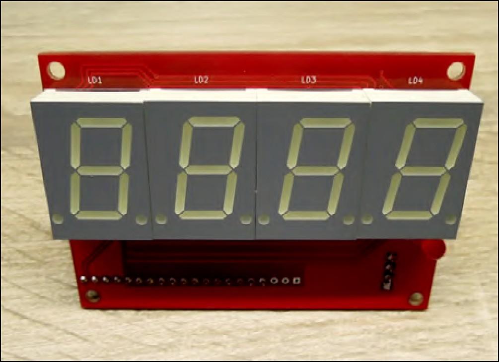 Figura 17: uno dei primi prototipi dell'orologio a LED che utilizzava display di dimensioni normali