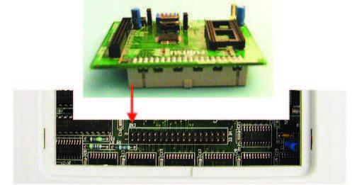 Figura 8: collegamento tra scheda di valutazione ed emulatore.
