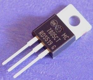 7805 Datasheet - Stabilizzatore di tensione da 1A 3 termianli