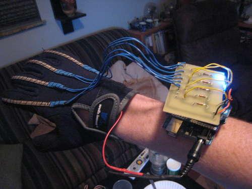 mano animatronica con arduino e xbee