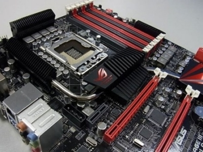 nuova scheda madre ASUS Rampage III Formula