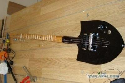 suonare la chitarra con una pala da lavoro elettronica open source. Black Bedroom Furniture Sets. Home Design Ideas