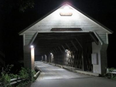 ponte storico americano illuminato a led