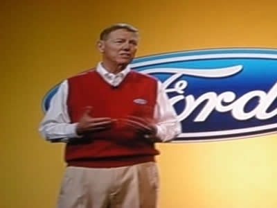Ford espone le migliore alla vettura e alla guida dei comandi vocali di Sync