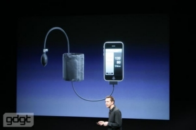 iPhone OS 3 per comunicare con accessori a connettore dock