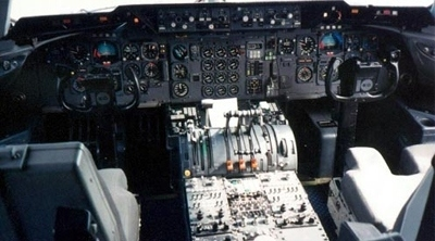 cockpit Boeing KC-10