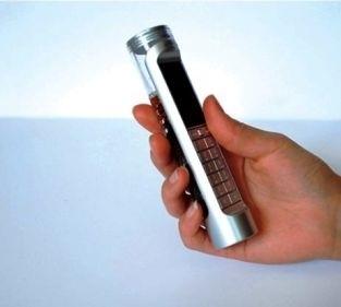 ecco il cellulare che beve Coca Cola