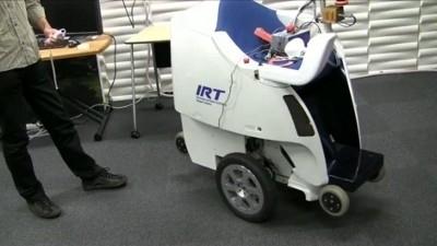 Robot per la mobilità personale controllato con la Wii