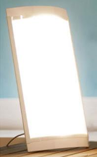 La terapia della luce regola i cicli circadiani e di conseguenza anche la produzione di certi ormoni