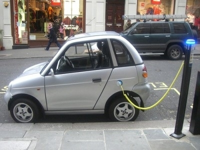 La Siemens rende obsoleta l'elettronica per la ricarica delle batterie delle auto