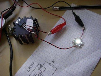 Un driver LED ad alta potenza fai-da-te con un LM317
